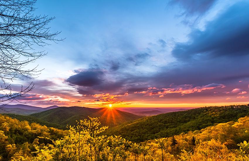 Best National Park to visit in spring is Shenandoah National Park