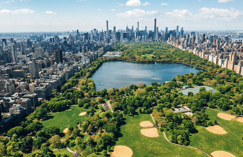 Where to travel this summer for a family vacation is Manhattan in New York